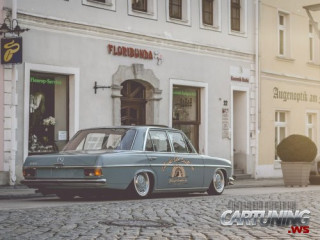 Stanced Mercedes-Benz 230 W114
