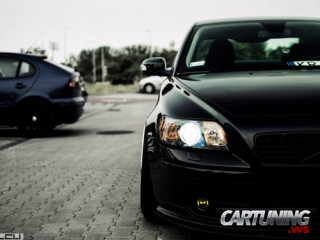 Stanced Volvo S40