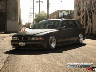 Stanced BMW 525i Touring E39