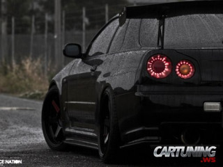 Low Nissan Skyline R34
