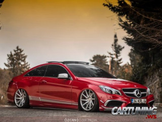 Stanced Mercedes-Benz E-Class Coupe C207