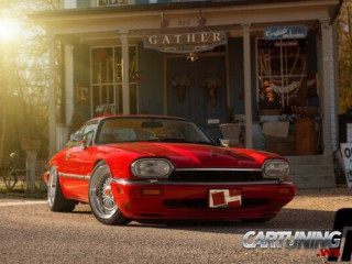 Low Jaguar XJS