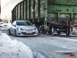 Stanced Opel Astra J