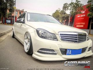 Low Mercedes-Benz C-Class S204