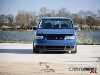 Stanced Volkswagen Touran