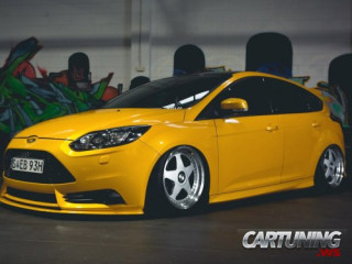 Stanced Ford Focus