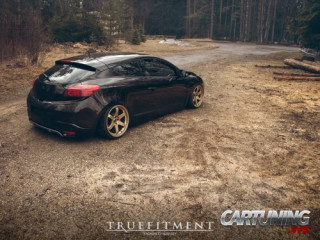 Stanced Renault Megane Coupe
