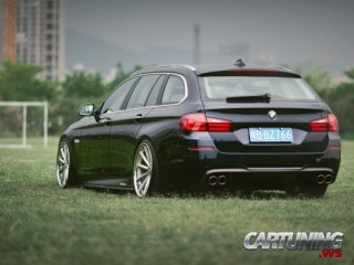 Stanced BMW 530i Touring F11
