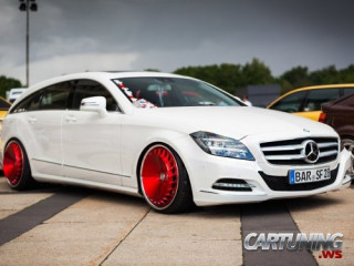 Stanced Mercedes-Benz CLS 350 CDI Shooting Break