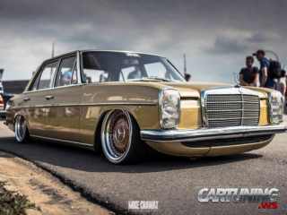 Low Mercedes-Benz 230.4 W114