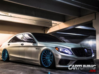 Low Mercedes-Benz S63 AMG W222