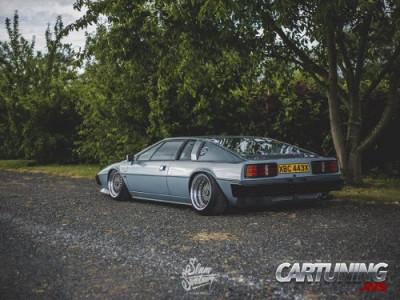 Stanced Lotus Esprit
