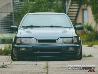 Stanced Ford Sierra