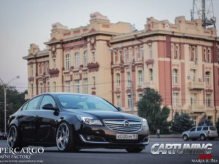 Stanced Opel Insignia