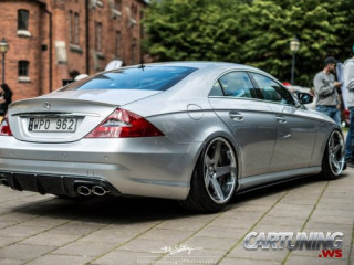 Stanced Mercedes-Benz CLS 320 CDI C219