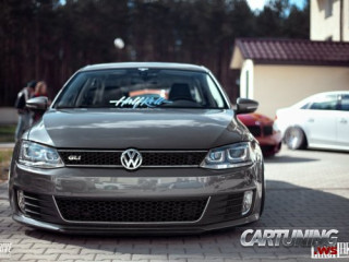 Volkswagen Jetta on air