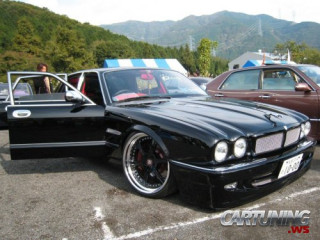 Low Jaguar XJR