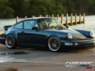 Lowered Porsche 911 Carrera 2 (964)