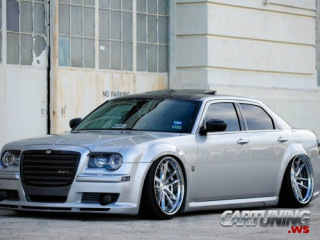 Stanced Chrysler 300C