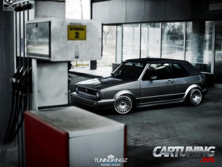 Volkswagen Golf Mk1 Cabriolet on air