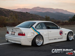 Stanced BMW 325i Coupe E36 Widebody