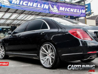 Mercedes-Benz S500 W222 on Vossen
