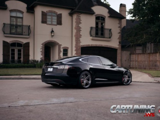 Tesla Model S Vossen