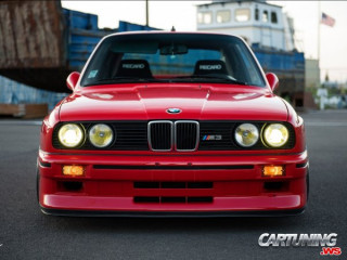Lowered BMW M3 E30