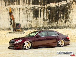Mercedes-Benz E350 W212 on Air