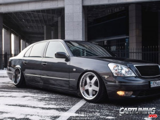 Lexus LS400 on Air