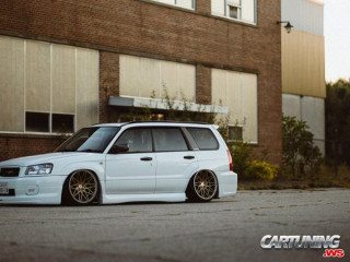 Subaru Forester airlift