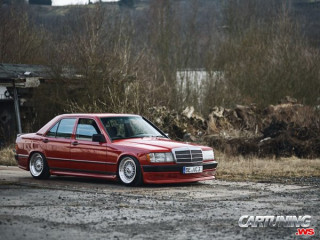Stanced Mercedes-Benz 190 W201