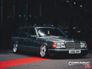 Stanced Mercedes-Benz 300TE T124