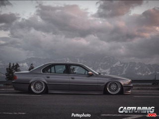 BMW 750i E38 on Air