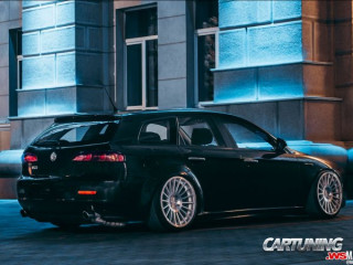 Alfa Romeo 159 Sportwagon on Air