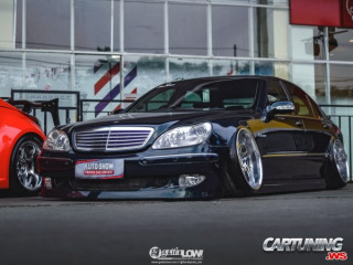 Mercedes-Benz S500 W220 Hellaflush