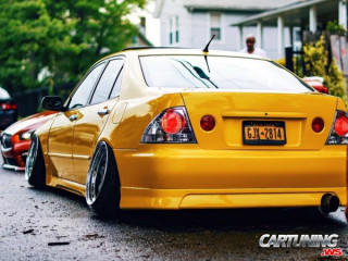 Lexus IS 300 Hellaflush