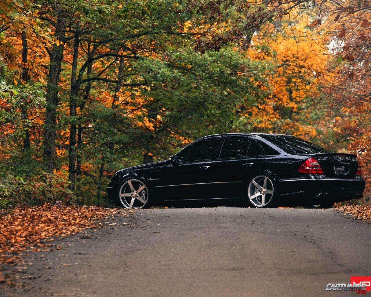 mercedes benz e55 w211 by vossen. Black Bedroom Furniture Sets. Home Design Ideas