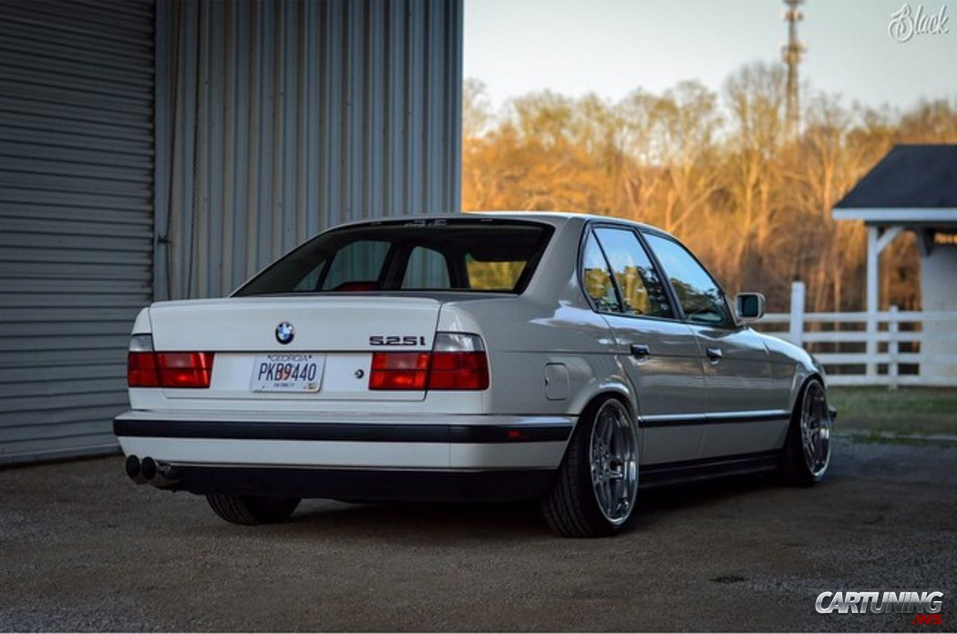 BMW E34 Wagon Lowered