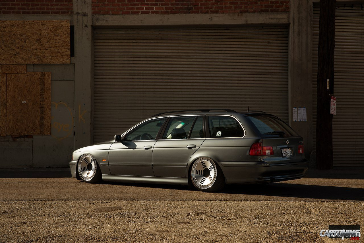 Stanced Bmw 525i Touring E39 Rear