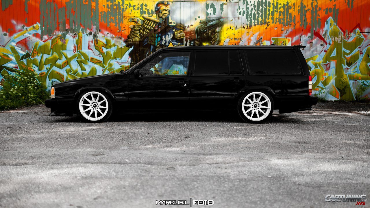 Low Volvo 740
