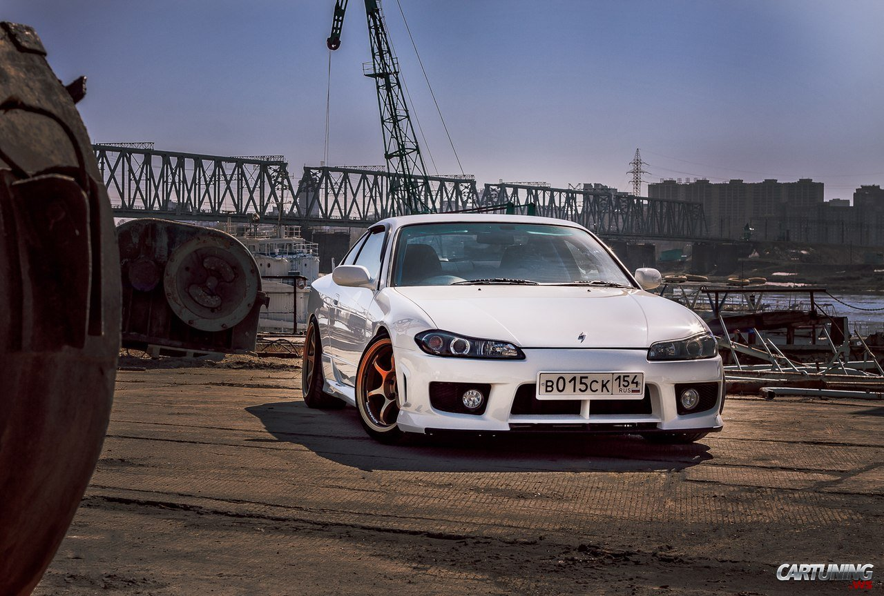 Lowered Nissan Silvia S15 Front