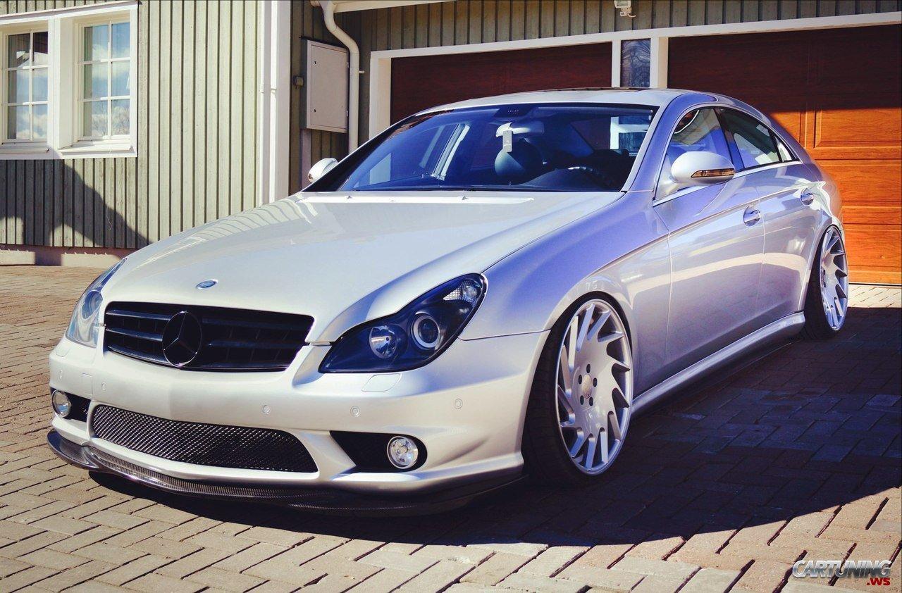 Stanced Mercedes Benz Cls C219