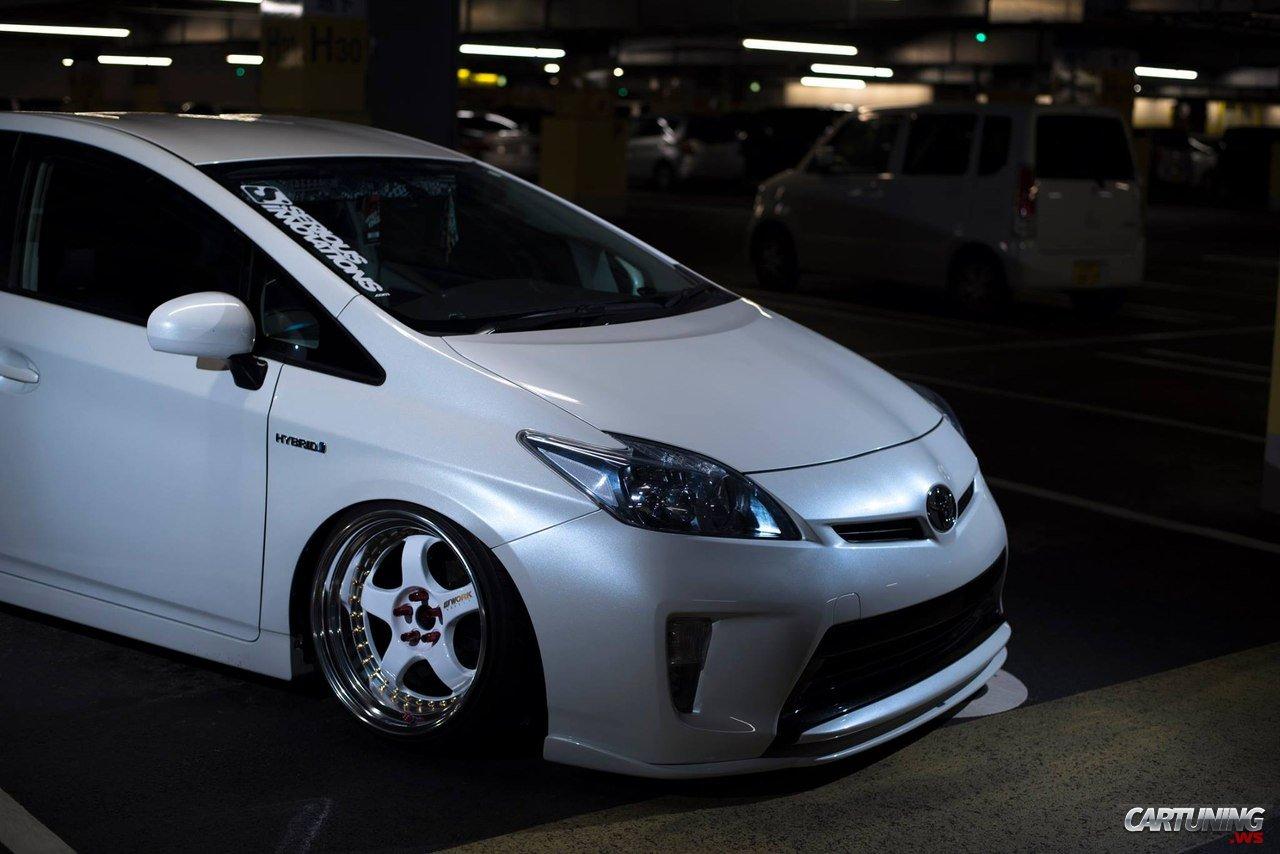 Stanced Toyota Prius