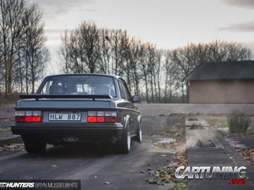 Low Volvo 242