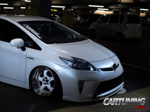 Stanced Toyota Prius