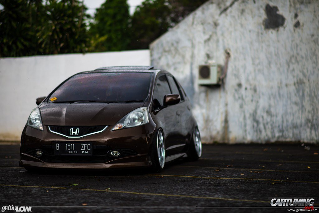 Stanced Honda Jazz