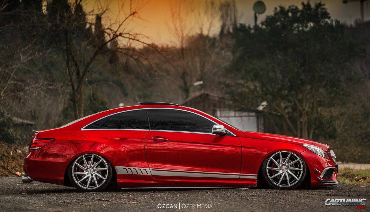 Low Mercedes-Benz E-Class Coupe C207