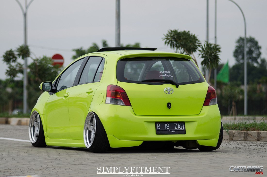 stance toyota yaris cartuning best car tuning photos. Black Bedroom Furniture Sets. Home Design Ideas