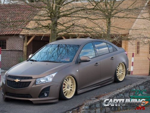 Stanced Chevrolet Cruze